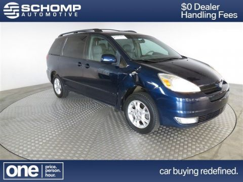 Pre-Owned 2005 Toyota Sienna  AWD
